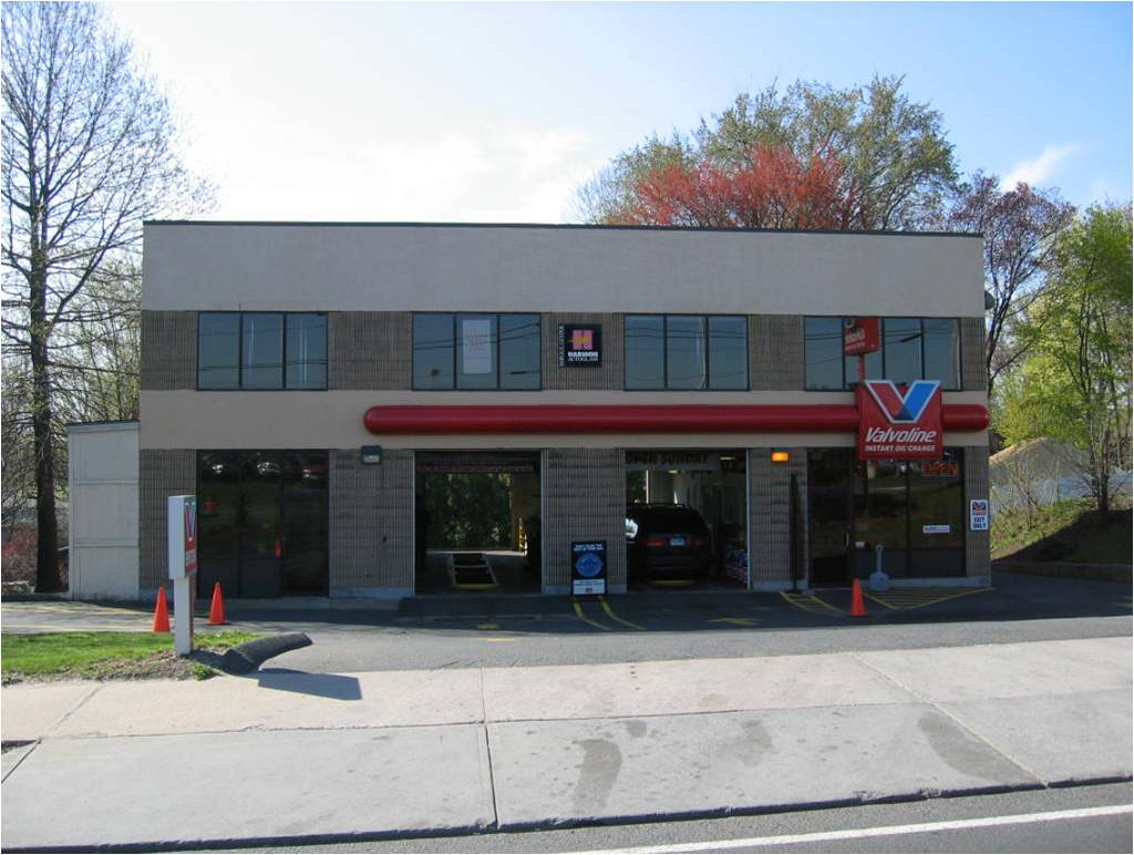 Valvoline Oil Change Hours >> Valvoline Instant Oil Change Bristol, CT, 1082 Farmington Avenue