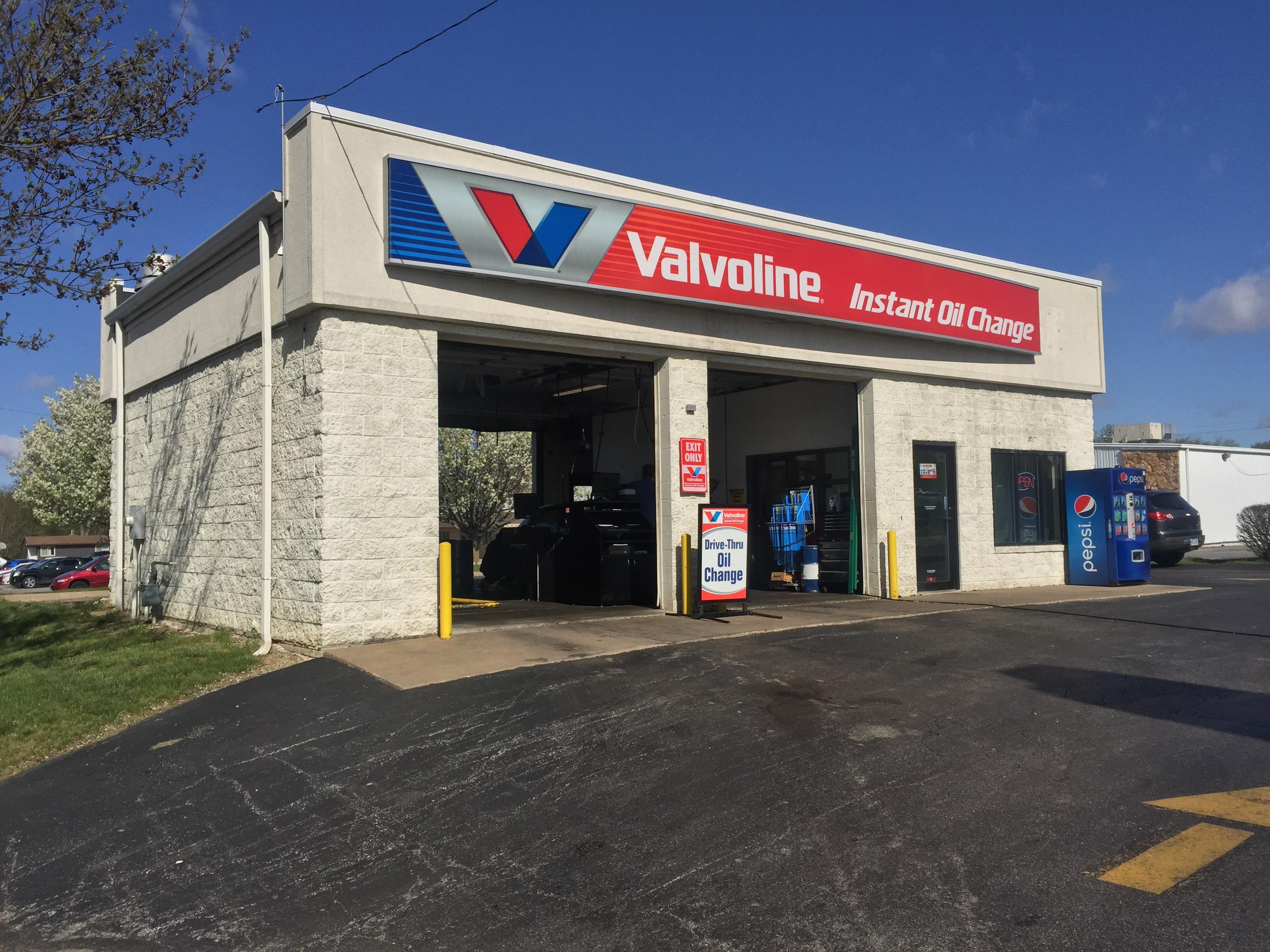 valvoline instant oil change davenport ia 3900 north pine street